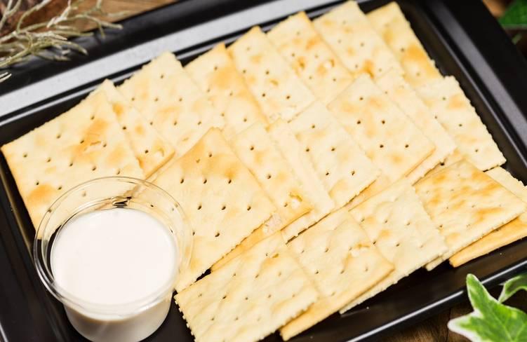 特製クリームチーズクラッカー