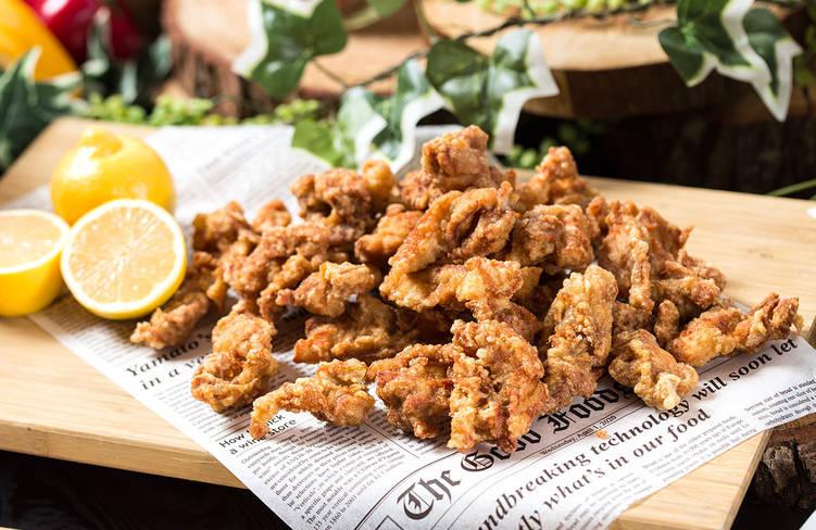 7種の特製タレに一晩漬けこんだ鳥取県産大山鶏のジューシーチキンフライ